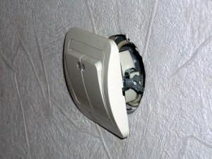 Замена розеток и выключателей в квартире.